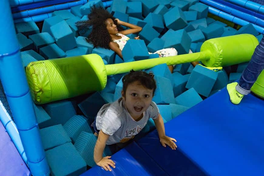Divertido Día Familiar en el Parque de Trampolines Jumping & Flying en Playa del Carmen 3