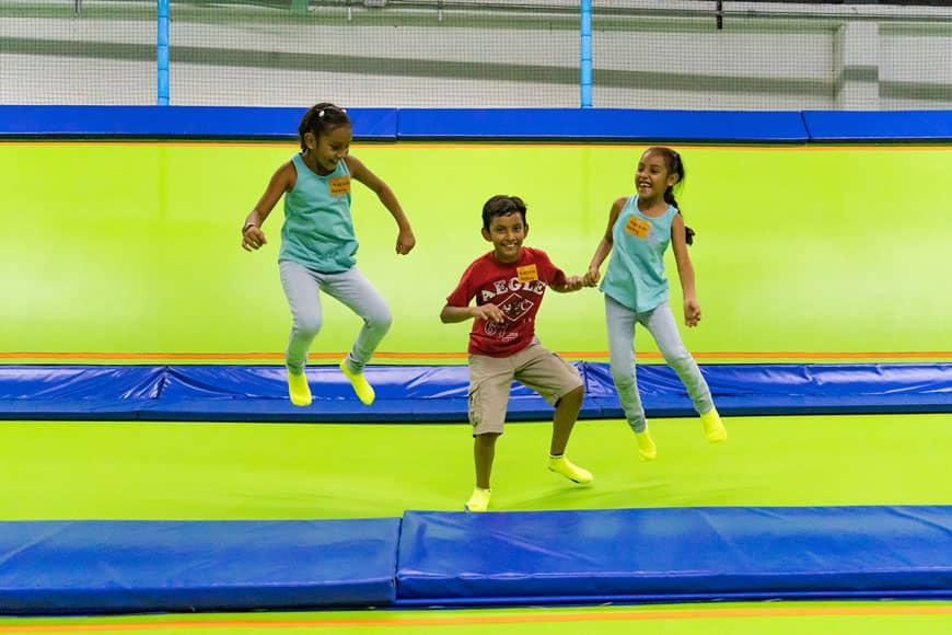 Divertido Día Familiar en el Parque de Trampolines Jumping & Flying en Playa del Carmen 4